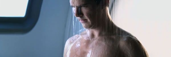star-trek-into-darkness-benedict-cumberbatch-showering-slice