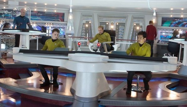 star-trek-into-darkness-bridge