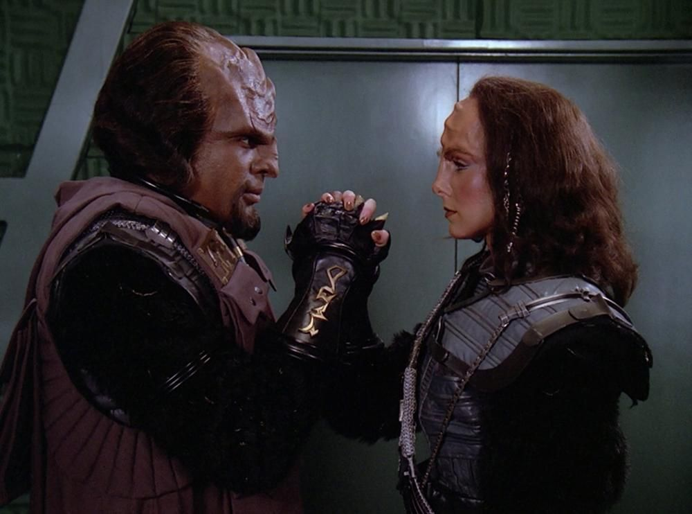 When do dax and worf start dating