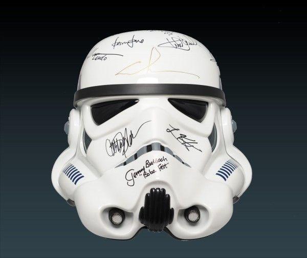 star_wars_stormtrooper_autographed_helmet_01