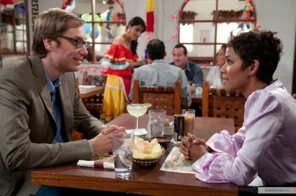 stephen-merchant-halle-berry-movie-43