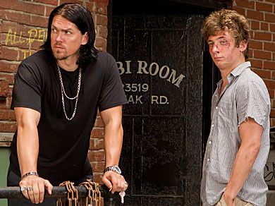 steve-howey-jeremy-allen-white-shameless