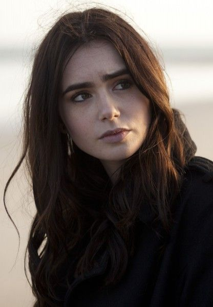 stuck-in-love-lily-collins