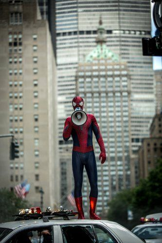 the-amazing-spider-man-2-andrew-garfield-megaphone