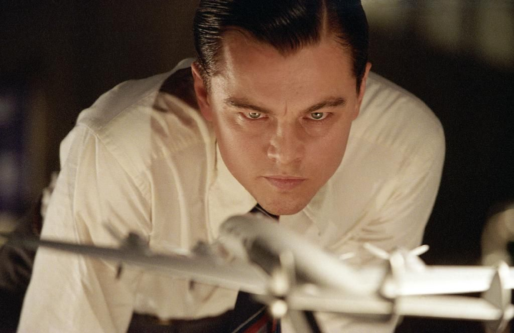the crowded room moving forward with leonardo dicaprio in