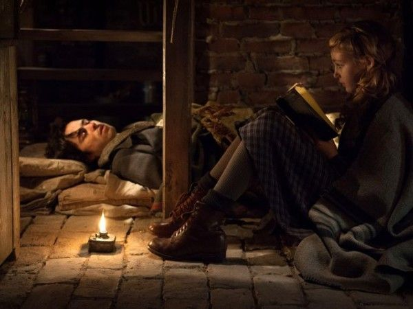 the-book-thief-ben-schnetzer-sophie-nelisse