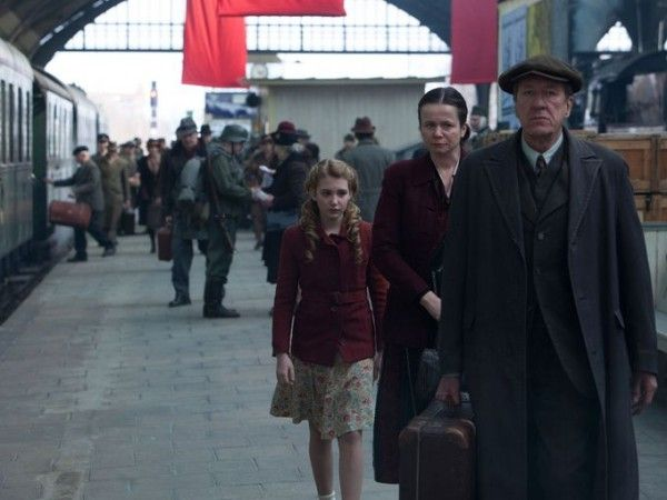 the-book-thief-geoffrey-rush-emily-watson-sophie-nelisse