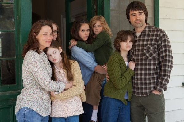 the-conjuring-lili-taylor-ron-livingston-joey-king