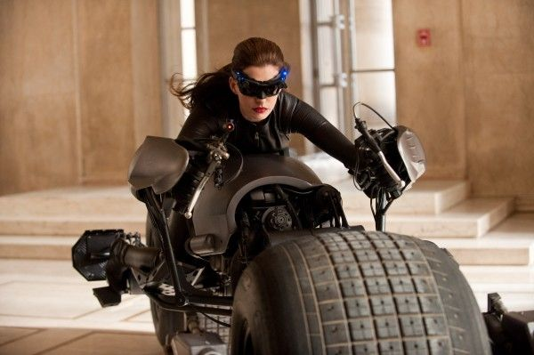 the-dark-knight-rises-anne-hathaway-catwoman-image