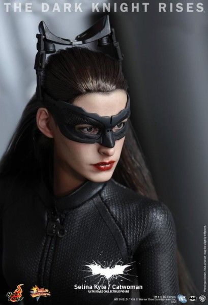 the-dark-knight-rises-hot-toys-catwoman-selina-kyle