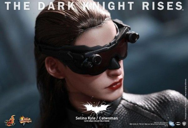 the-dark-knight-rises-hot-toys-figure-selina-kyle