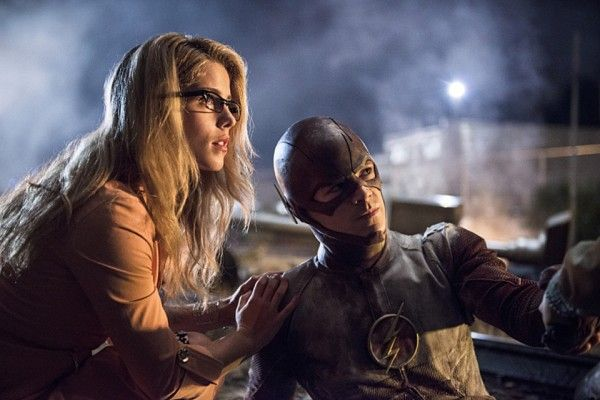 the-flash-going-rogue-emily-bett-rickards-grant-gustin