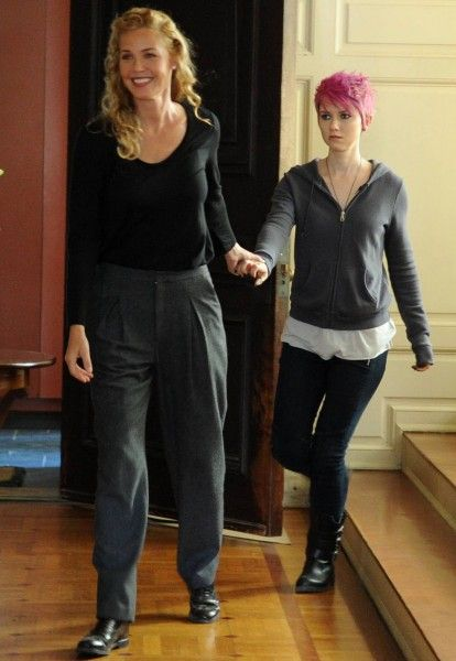 the-following-connie-nielsen-valorie-curry