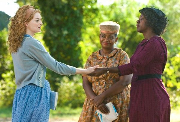 the-help-movie-image-emma-stone-viola-davis-02