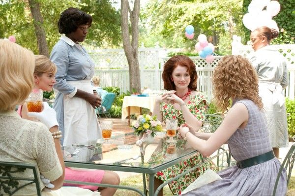 the-help-movie-image-viola-davis-bryce-dallas-howard-01