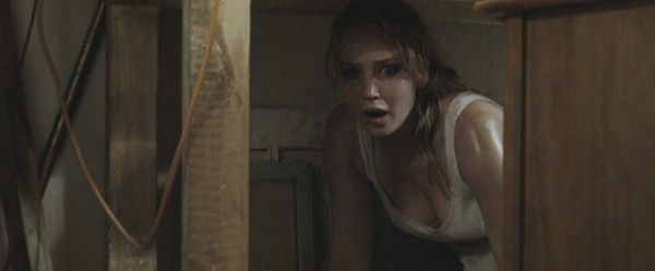 the-house-at-the-end-of-the-street-movie-image-jennifer-lawrence