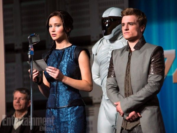 the-hunger-games-catching-fire-jennifer-lawrence-josh-hutcherson
