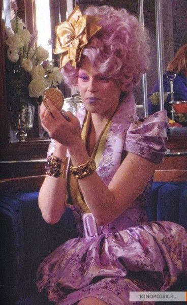 the-hunger-games-elizabeth-banks-2