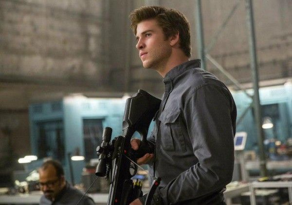 the-hunger-games-mockingjay-part-1-liam-hemsworth-1