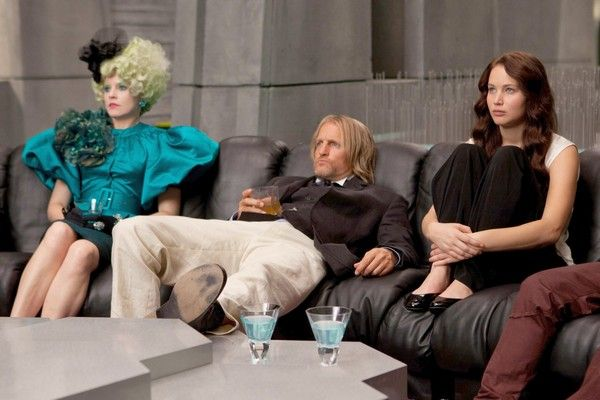 the-hunger-games-elizabeth-banks-woody-harrelson-jennifer-lawrence