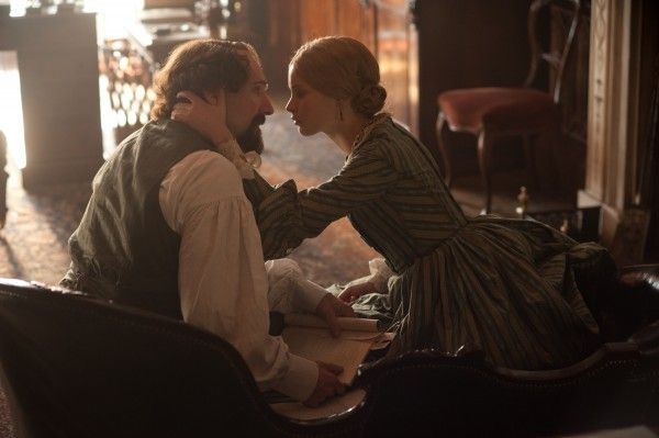 the-invisible-woman-ralph-fiennes-felicity-jones