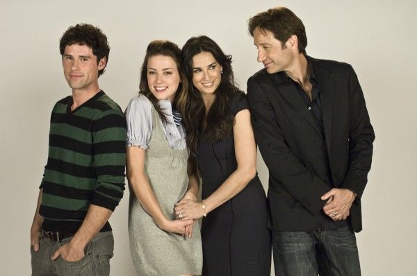 the-joneses-movie-image-david-duchovny-and-demi-moore-1