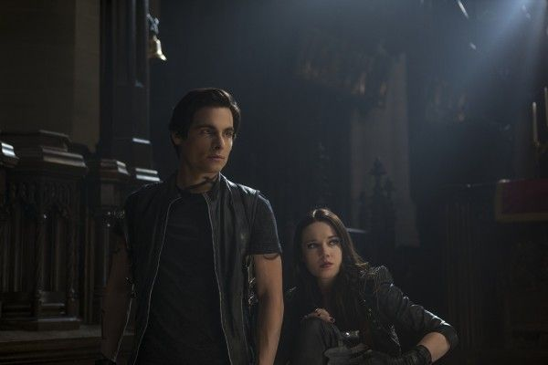 the-mortal-instruments-city-of-bones-kevin-zegers-jemima-west