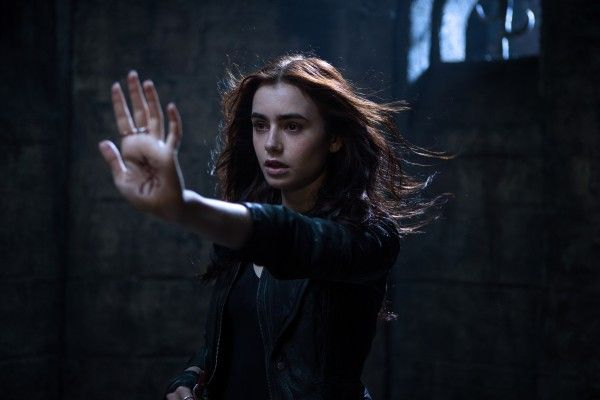 the-mortal-instruments-city-of-bones-lily-collins