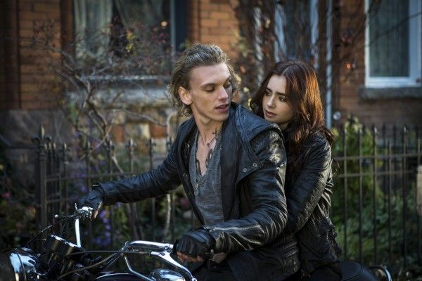 the-mortal-instruments-city-of-bones-lily-collins-jamie-campbell-bower