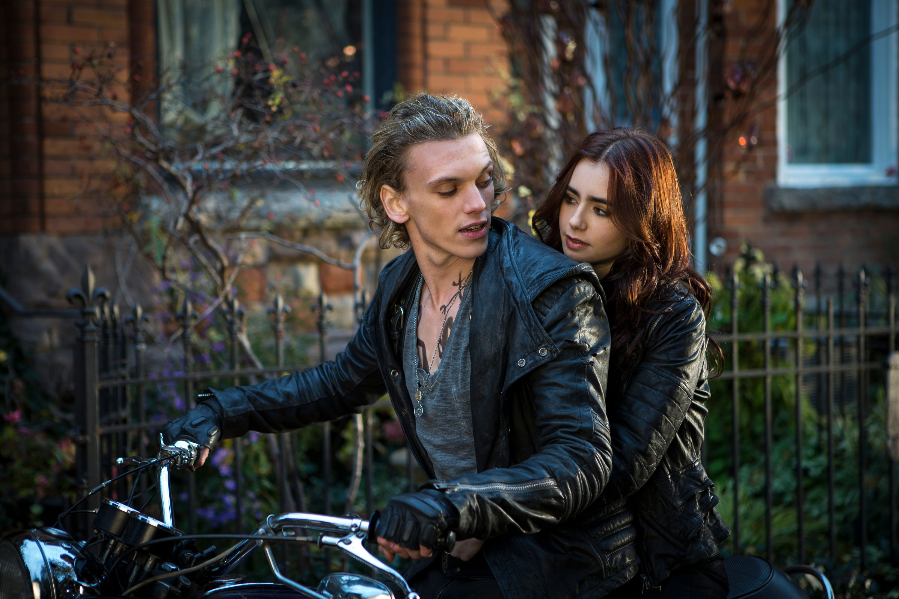 Shadowhunters: McG to Direct First Episode of Mortal ...