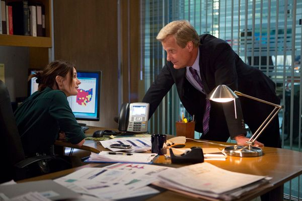 the-newsroom-season-3-jeff-daniels-emily-mortimer