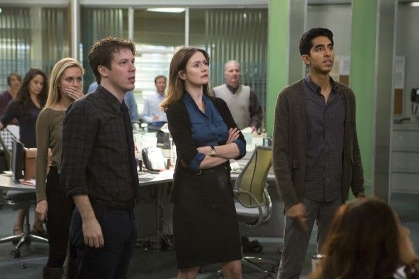 the-newsroom-season-3-emily-mortimer-dev-patel-john-gallagher-jr
