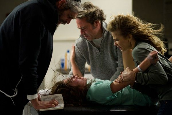 the-possession-jeffrey-dean-morgan-kyra-sedgwick