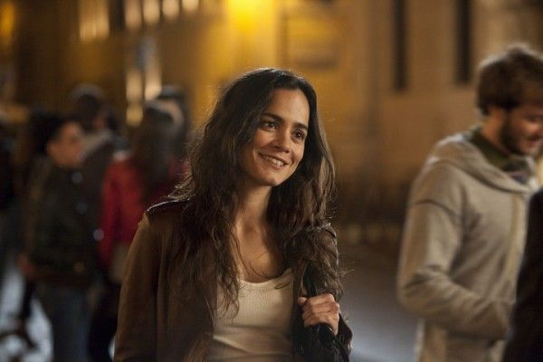 the-rite-image-alice-braga-01