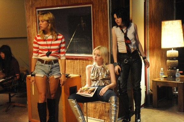 The Runaways movie image Kristen Stewart and Dakota Fanning