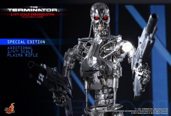 the-terminator-endoskeleton-collectible-figure-hot-toys