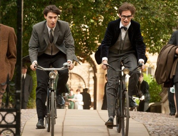 the-theory-of-everything-harry-lloyd-eddie-redmayne