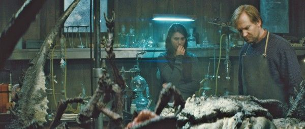 the-thing-prequel-movie-image-mary-elizabeth-winstead-01