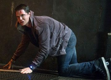 the-tomorrow-people-robbie-amell-5