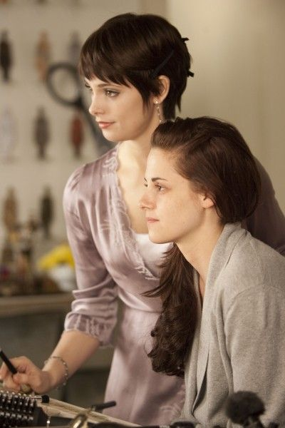 THE TWILIGHT SAGA: BREAKING DAWN ashley greene kristen stewart