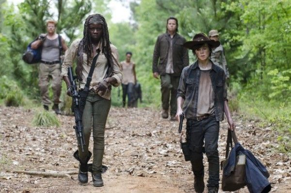 the-walking-dead-season-5-episode-2-strangers-danai-gurira-chandler-riggs