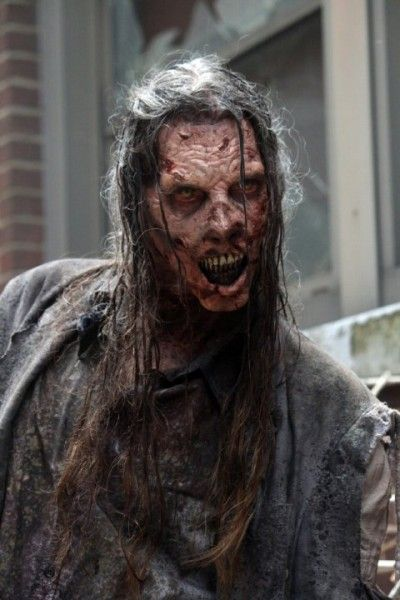 the-walking-dead-season-5-premiere-walker