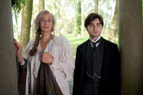 the-woman-in-black-movie-image-daniel-radcliffe-janet-mcteer-01