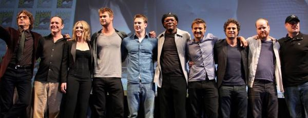 the_avengers_comic_con_cast_slice