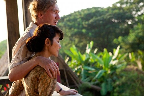 the_lady_movie_image_michelle_yeoh_david_thewlis_01