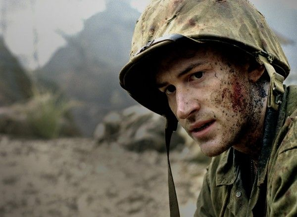 the_pacific_hbo_tv_miniseries_image_joseph_mazzello_01