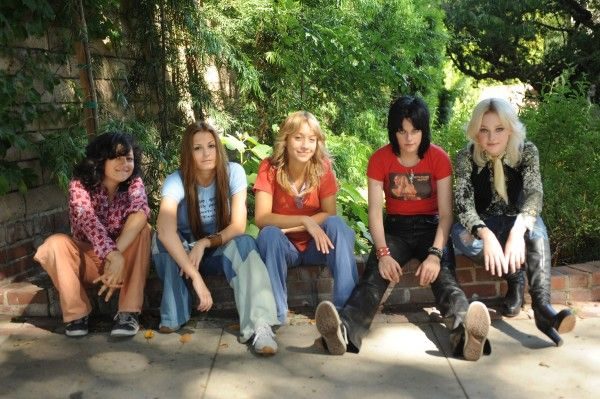 The_Runaways_movie_image_Dakota_Fanning_Kristen_Stewart