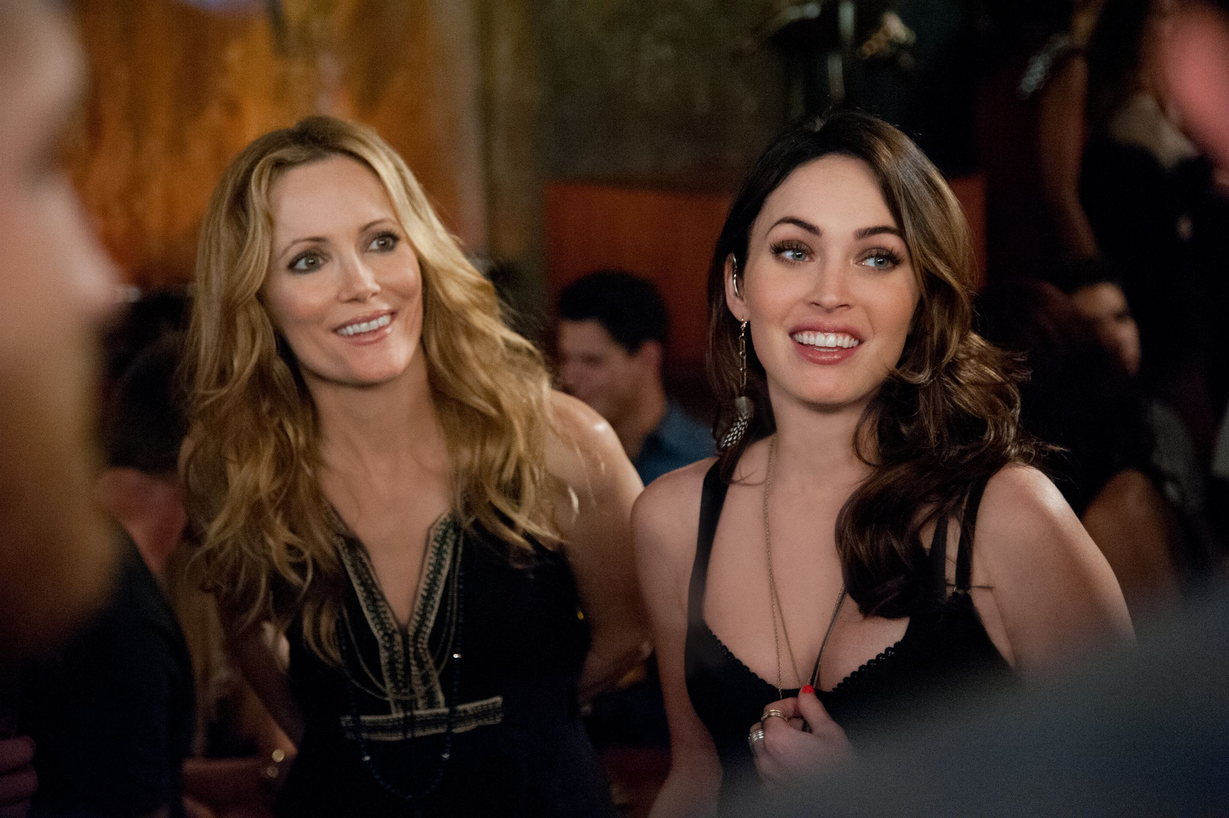 http://cdn.collider.com/wp-content/uploads/this-is-40-leslie-mann-megan-fox.jpg Leslie Mann Kids In This Is 40