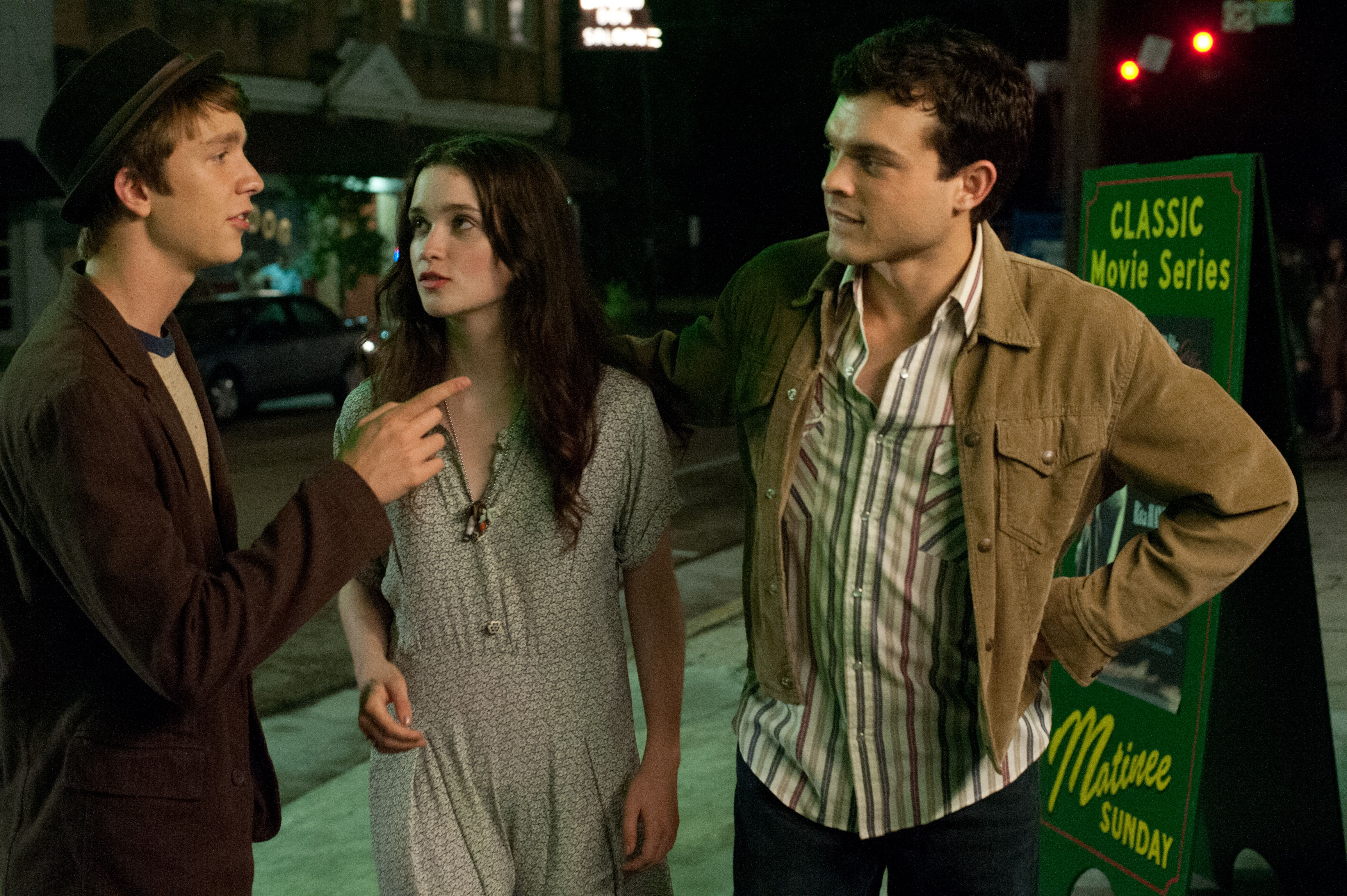 BEAUTIFUL CREATURES Images Featuring Alice Englert and ...