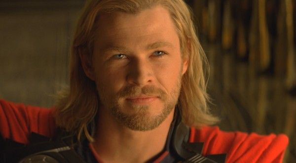 thor-movie-image-chris-hemsworth-smiles-01